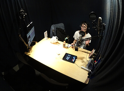 ラジオスタジオ